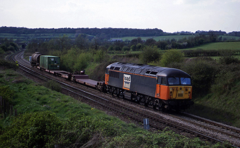56055, 16.09 Avonmouth-Warrington, Brentry, Bristol, 25-4-01.