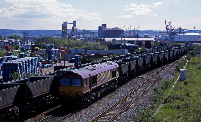 66238, down mgr empties to Avonmouth Bennett's Siding, Hallen Marsh Junction, Avonmouth, 30-4-01. 08500, pilot; 60092, down mgr empties, in backgound.