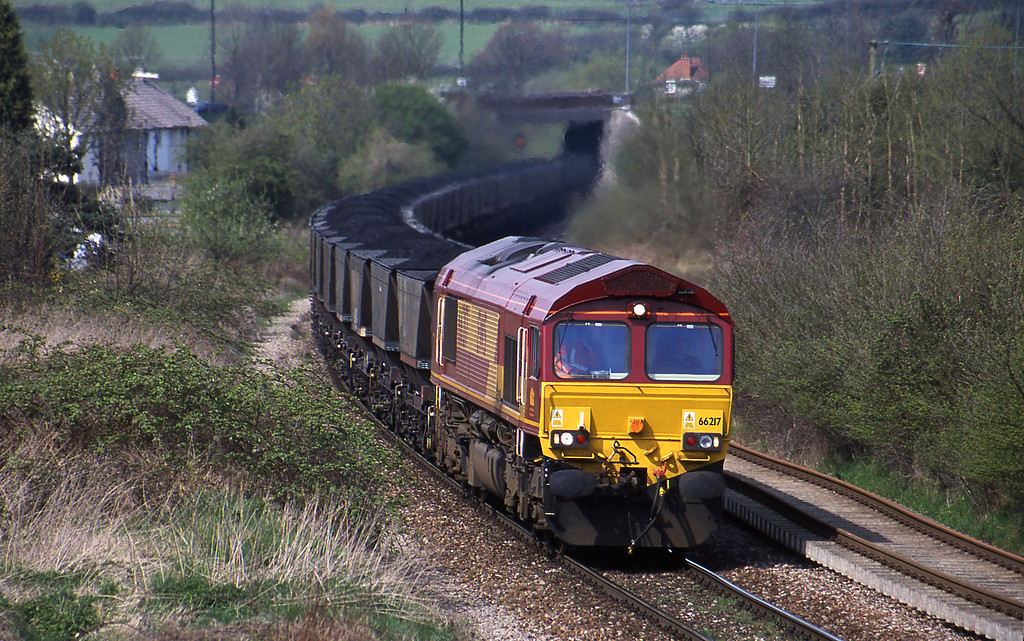 66217, up mgr, Brentry, Bristol, 17-4-01.