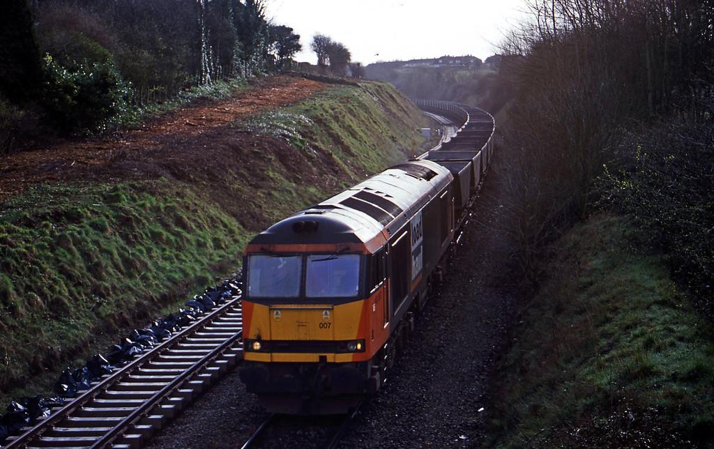 60007, down mgr empties, Brentry, Bristol, 3-4-01.