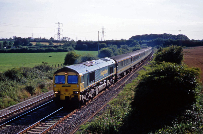 66523, Exeter St David's-Old Oak Common empty stock move, Berkley Marsh, near Frome, 14-8-01.
