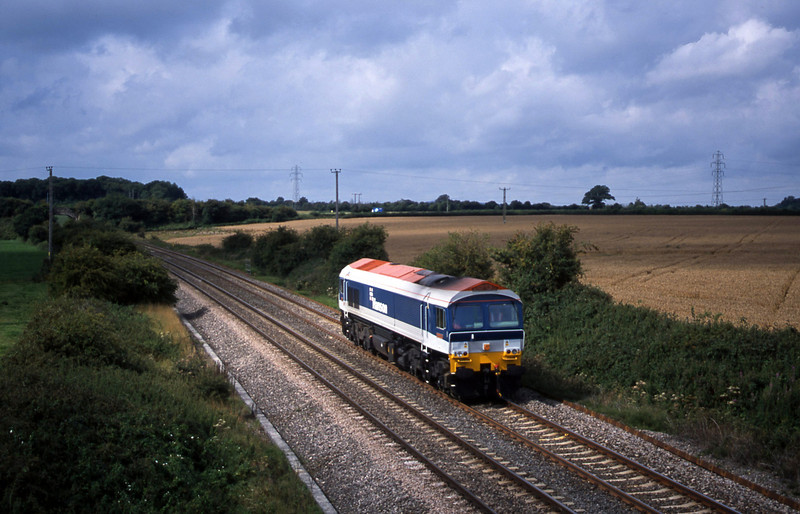 59102, up light, Berkley Marsh, near Frome, 21-8-01.