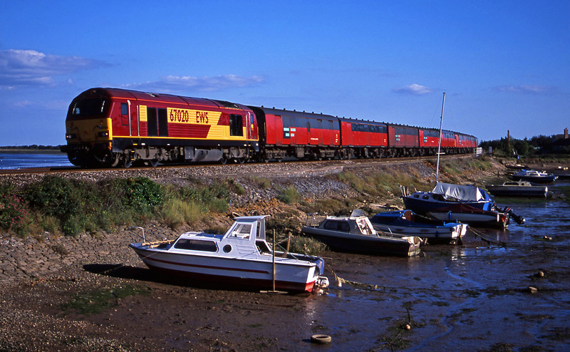 67020, 17.23 Plymouth-Low Fell, Cockwood Harbour, near Starcross, 10-8-01.