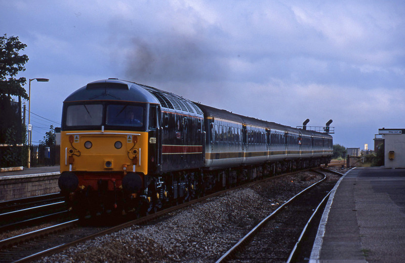 47709, 16.48 Plymouth-London Paddington, Dawlish Warren, 12-8-01.