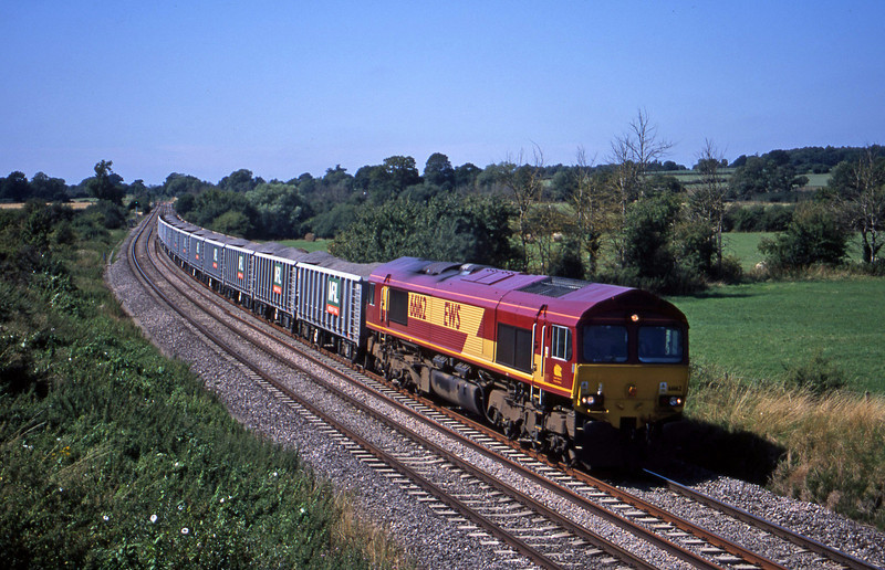 66162, 13.08 Merehead Quarry-Purfleet, Great Cheverell, near Devizes, 14-8-01.
