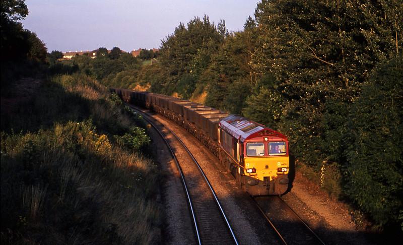 66176, down mgr empties, Brentry, Bristol, 14-8-01.