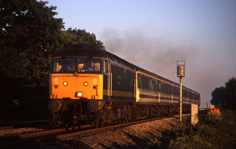 47816, 18.40 Plymouth-London Paddington, Powderham, near Exeter, 27-8-01.