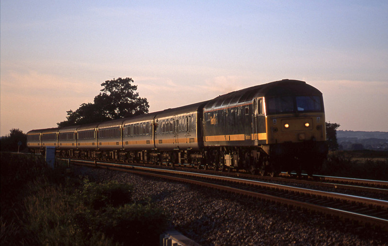 47832, 16.33 London Paddington-Penzance,<br /> Powderham, near Exeter, 27-8-01.