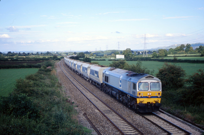 59004, down stone empties, Berkley Marsh, near Frome, 21-8-01.