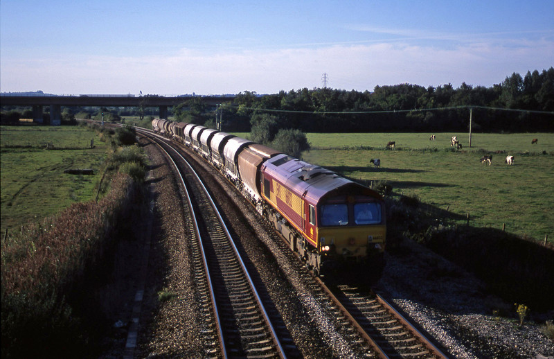66032, 08.57 Cliffe Vale-St Blazey, Exminster, near Exeter, 28-8-01.