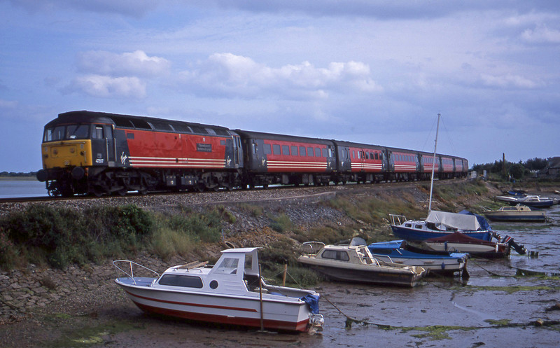 47817, 15-50 Plymouth-Leeds, Cockwood Harbour, near Starcross, 6-8-01.