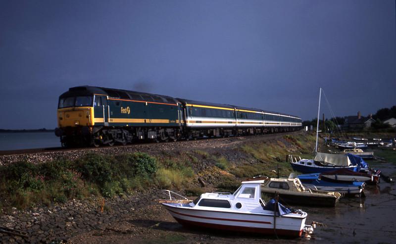47846, 14.30 Plymouth-London Paddington, Cockwood Harbour, near Starcross, 19-8-01.