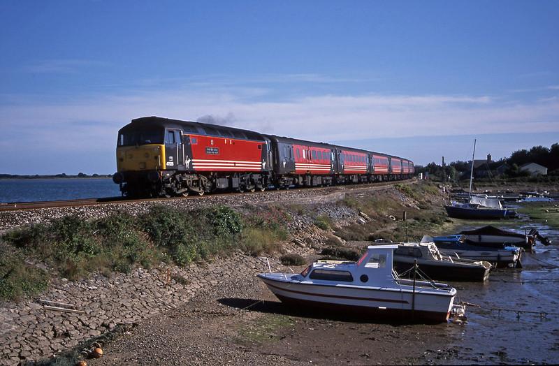 47828, 15.50 Plymouth-Leeds, Cockwood Harbour, near Starcross, 28-8-01.