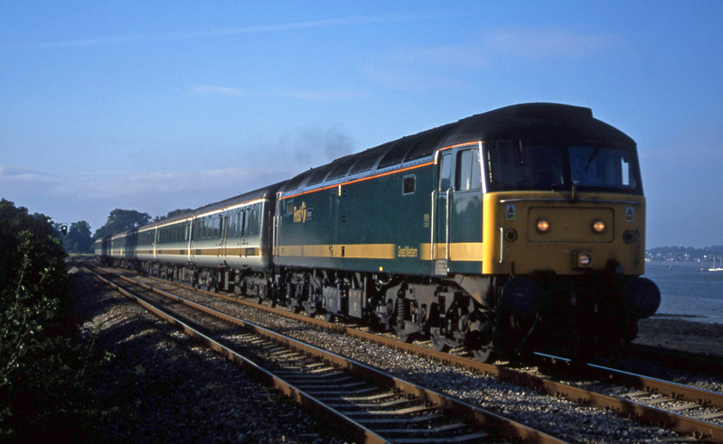 47832, 14.33 London Paddington-Plymouth, Powderham, near Exeter, 24-8-01.