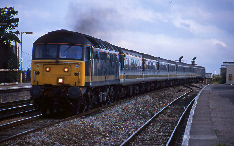 47813, 14.30 Penzance-London Paddington, Dawlish Warren, 12-8-01.