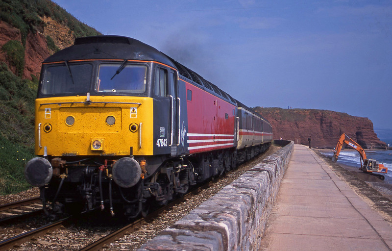 47843, 09.13 Liverpool Lime Street-Plymouth, Dawlish, 29-8-01.