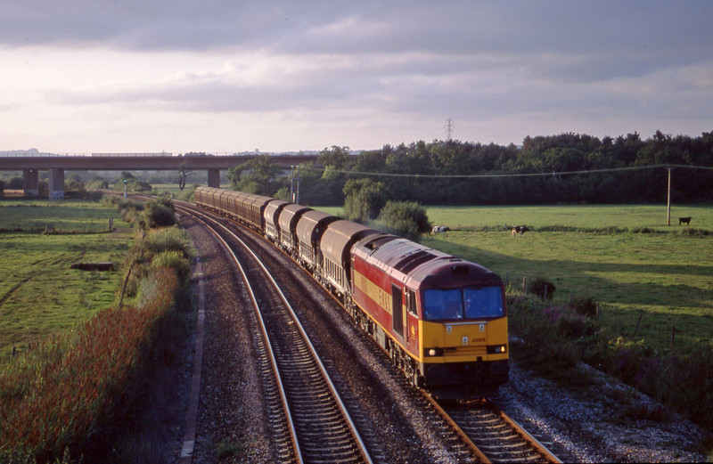 60010, 08.57 Cliffe Vale-St Blazey, Exminster, near Exeter, 13-8-01.