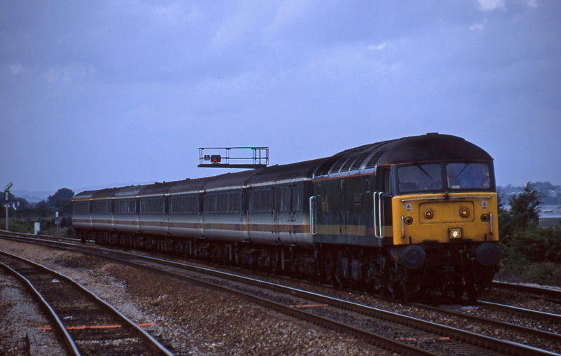 47813, 14.33 London Paddington-Plymouth, Dawlish Warren, 6-8-01.