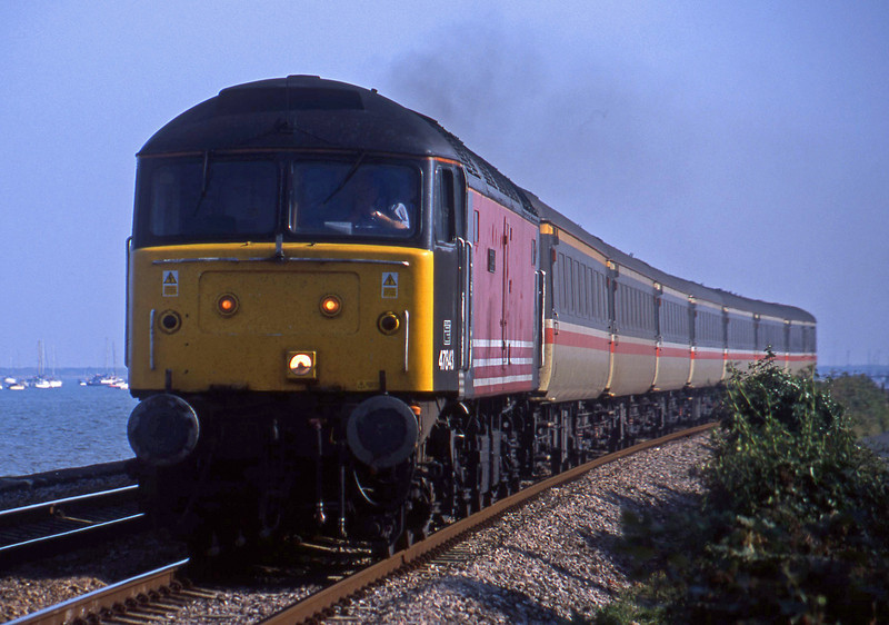47843, 15.50 Plymouth-Leeds, Powderham, near Exeter, 29-8-01.