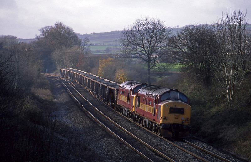 37408/37418, 10.30 Meldon Quarry-Westbury, Whiteball, 5-12-01.