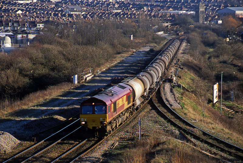 66164, 09.40 Burngullow-Irvine, Narroways Hill, Bristol, 14-2-01.