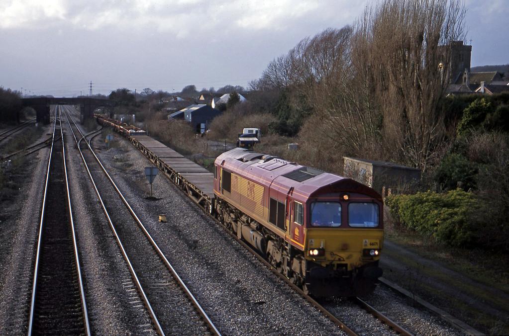 66171, 14.59 Newport Alexandra Dock Junction-Westbury, Magor, 6-2-01.