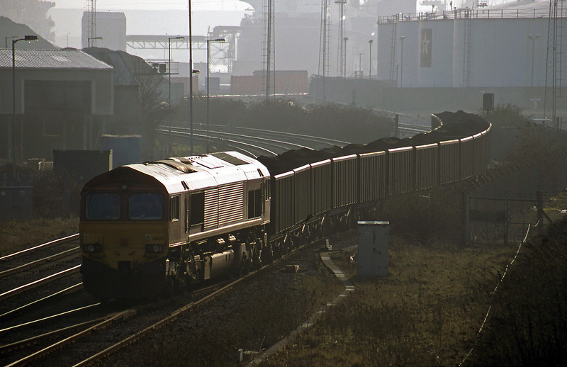 66129, 14.29 Avonmouth Bennett's Siding-Rugby Cement Works, Hallen Marsh Junction, Avonmouth, 20-2-01.