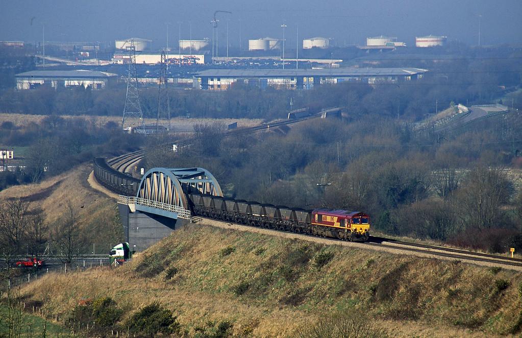 66008, up mgr, Hallen Marsh, Bristol, 14-2-01.
