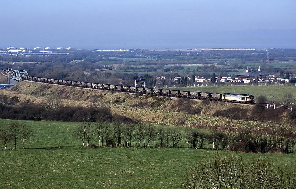 60054, Avonmouth Bulk Handling Terminal-Didcot Power Station, Hallen Marsh, Bristol, 14-2-01.