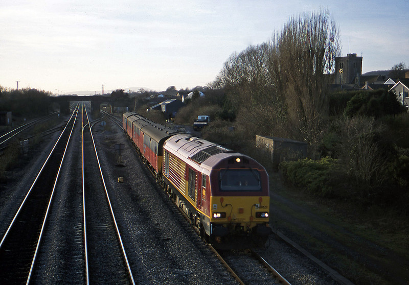 67027, 14.25 Swansea-London, Magor, 13-2-01.