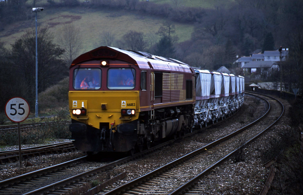 66183 Fowey- china clay empties, Lostwithiel, 30-1-01.