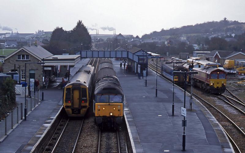 47816, up ecs, Par. 30-1-01. 158867, down pass; 153, Newquay branch; 66180, 04.14 Plymouth Tavistock Junction Yard-Penzance.