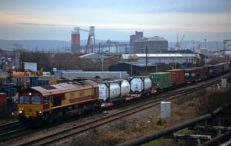 66195, 16.04 Avonmouth Bulk Handling Terminal-Warrington Arpley Yard, Hallen Marsh Junction, Avonmouth, 9-1-01.