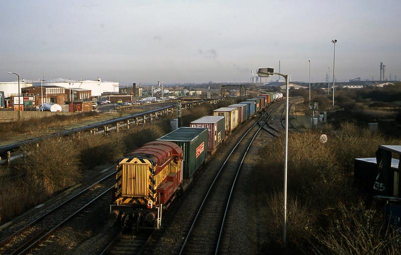 08896, from Avonmouth Docks, Hallen Marsh Junction, Avonmouth, 9-1-01.