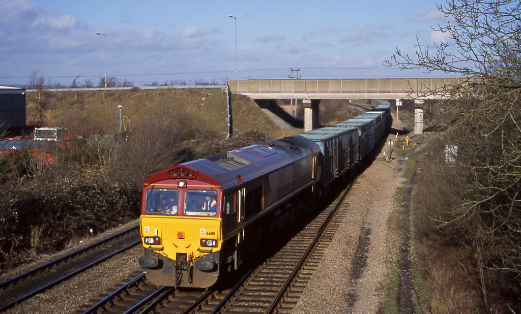 66118, Calvert-, Didcot North Junction, 24-1-01.