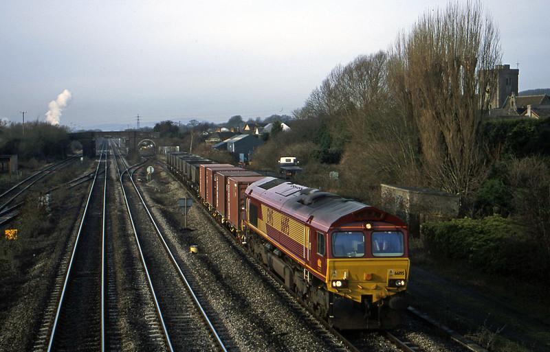 66195, 09.38 Newport Alexandra Dock Junction Yard-Avonmouth Bulk Handling Terminal, Magor, 9-1-01.