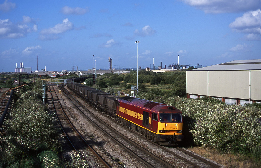 60026, down mgr empties, Hallen Marsh Junction, Avonmouth, 10-7-01.