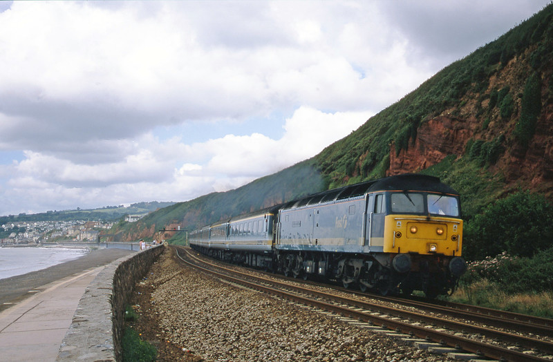47813, 08.20 Penzance-London Paddington, Dawlish, 18-7-01.