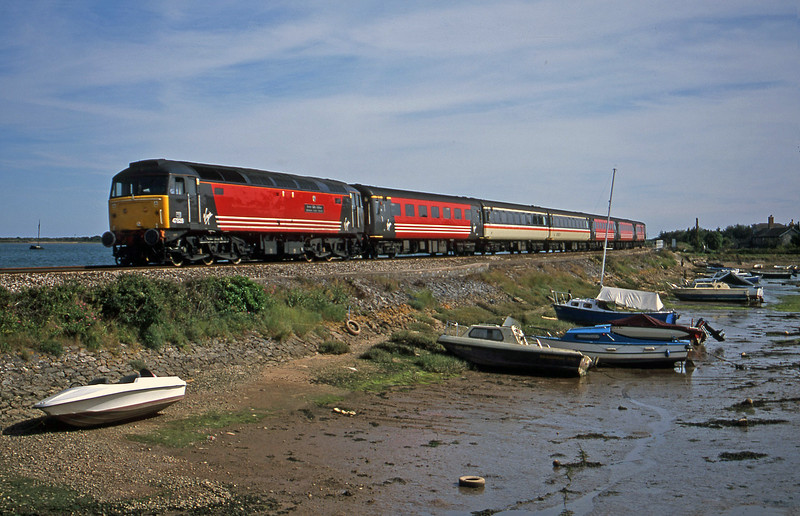 47828, 15.55 Plymouth-Leeds, Cockwood Harbour, near Starcross, 16-7-01.