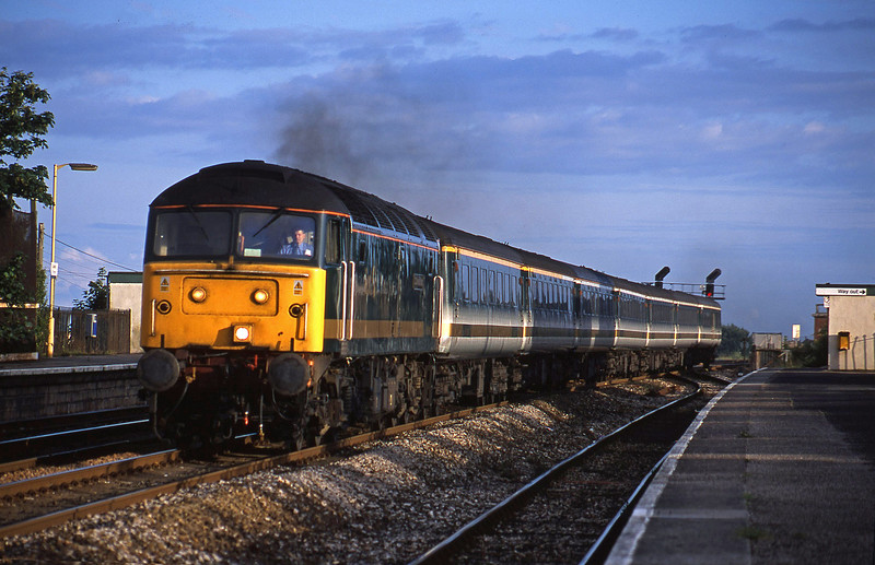 47813, 18.40 Plymouth-London Paddington, Dawlish Warren, 13-7-01.