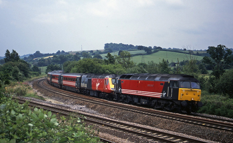 47840/43013/43071, up Aller Divergence, near Ndewton Abbot, 6-7-01.