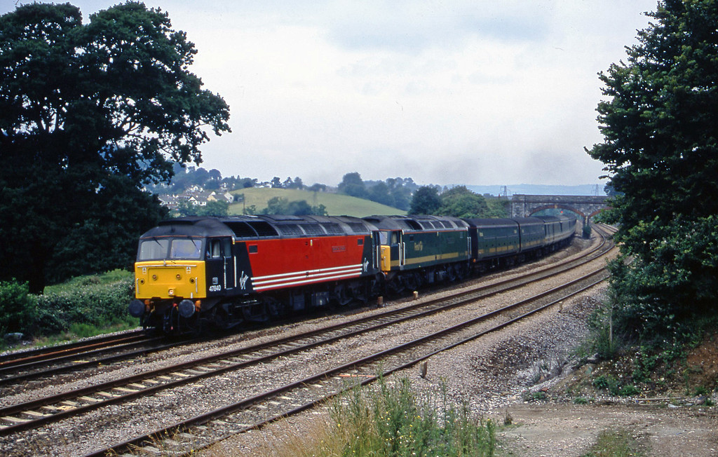 47840/47815, 09.30 London Paddington-Penzance Aller Divergence, near Ndewton Abbot, 6-7-01.