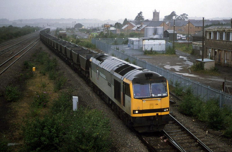 60062, up mgr empties, Severn Tunnel Junction, 10-7-01.