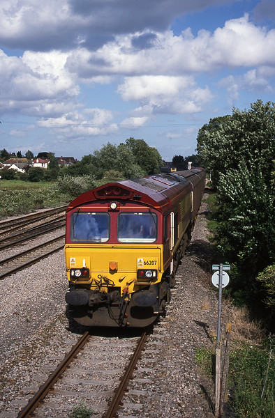 66207, down steel, Magor, 10-7-01.