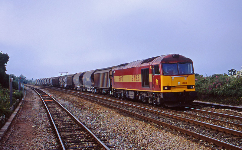60010, 08.57 Cliffe Vale-St Blazey, Dawlish Warren, 2-7-01.