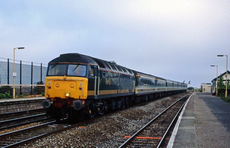 47846, 18.40 Plymouth-London Paddington, Dawlish Warren, 2-7-01.