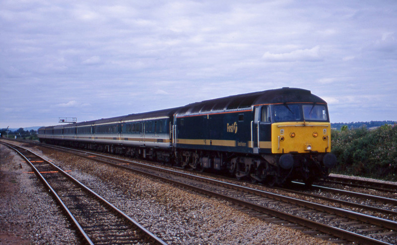 47811, 14.33 London Paddington-Plymouth, Dawlish Warren, 23-7-01.
