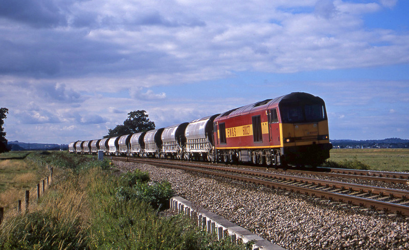 60027, 08.57 Cliffe Vale-St Blazey, Powderham, near Exeter, 31-7-01.