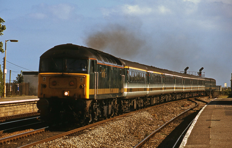 47832, 14.30 Penzance-London Paddington, Dawlish Warren, 1-7-01.