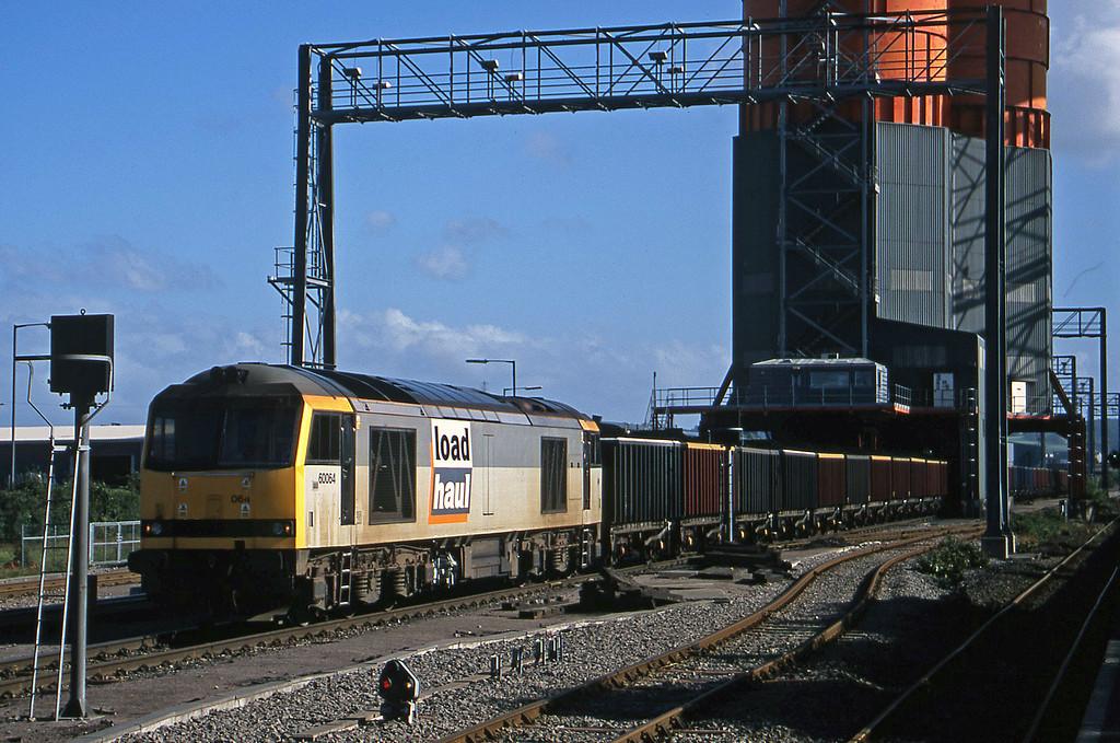 60064, loading, Avonmouth Bulk Handling Terminal, 10-7-01.